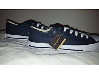 NAVY & WHITE CANVAS LOW 40