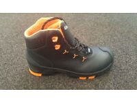 New with Box Uvex Black / Orange Safety Boots