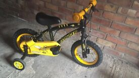 Childrens bicycle with stabilisers