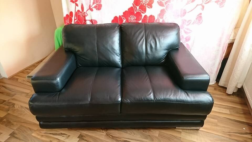 for sale le mans glow 2 seater in black leather sofa perfect condition black leather sofa perfect