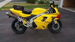 2002 Triumph Daytona 955i (PRICE DROP)