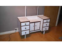 UPCYCLED RETRO DRESSING TABLE
