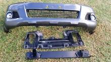 Toyota Hilux SR5 4x4 2014 front bumper with fog lights Silverdale Wollondilly Area Preview