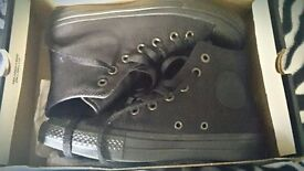 Black Converse Brand New with Lunarlon size 5.5 UK with an original box
