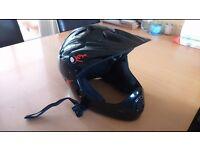 Full face boys bike helmet 54-58cm