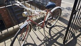 Beautiful vintage small bicycle - working dynamo lights! original paintwork!