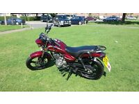 ZONTES TIGER 125cc. 5 speed gear change, digital gear display and electric start.