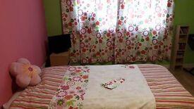 Girls Single duvet cover & matching curtains