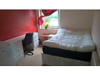 Nice doube bedroom in shared house perfect for single or couple