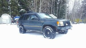 94 jeep Cherokee with Running parts jeep!
