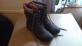 Rocket Dog brown Thunder boots, size 6
