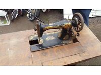 singer sewing machine and table good condition only £15.00
