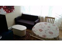 Bed in twin room close to Portobello Road