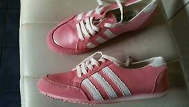 Lady's size 7 trainers
