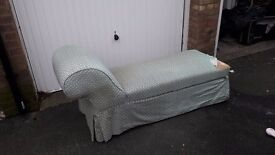 Lovely Vintage Chaise Longue with storage