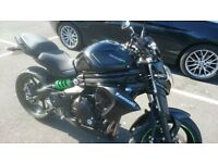 2014 Kawasaki ER6N Black and Green 5669 Miles