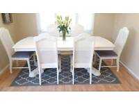 Stunning Extending Dining Table and 6 Chairs