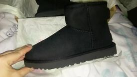 Brand new ugg mini black short boots size 3.5/4