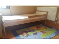 ******CHILDRENS BED WITH MEMORY FOAM MATTERESS *****