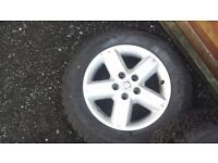 nissanx trail alloy wheels with tyres 215/65/16