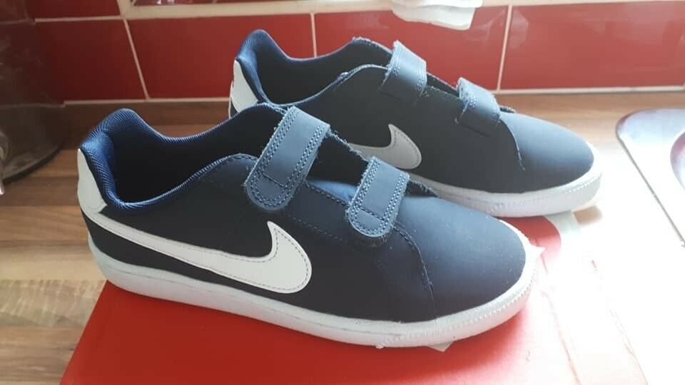 14c3bf73e3 Junior Size 2 Nike Court Royale Boys Trainers (Navy) - Excellent ...