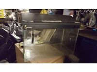 Fish tank with lid, 2ft x 1ft 85Litres