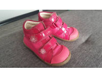Clarks shoes for girl - size 5,5