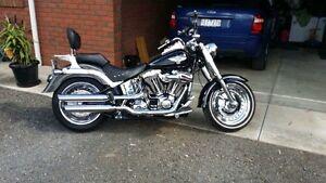 2011 Harley Davidson Fatboy Bannockburn Golden Plains Preview