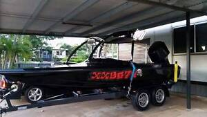 19ft custom ski boat with 225hp outboard Moranbah Isaac Area Preview