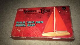 Build your own model boat ⛵️