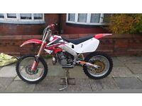 1999 Honda cr 250 2 stroke // MINT LOOK // Swapz welcome 85 125 250 450 cash eitherway ?? £1800.