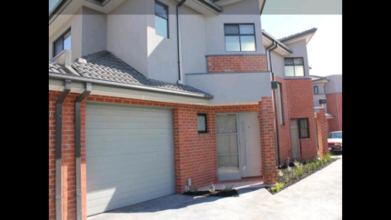 Rent Lease Thomastown Townhouse 2 Bedroom plus Large Open Study