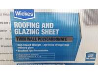 Twin wall polycarbonate roofing and glazing sheets