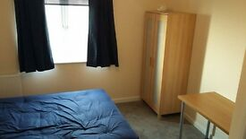 Fully Furnished Master Bedroom with Parking Space £450/Month inc Bills