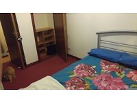 Spare double room to let near city center and universities