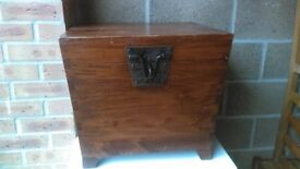 wooden trunk with removable tray - free delivery