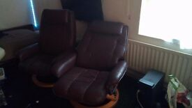 2 Reclining Leather Armchairs Vgc