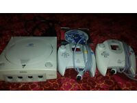 SEGA DREAMCAST WITH SONIC ADVENTURE & 2 CONTROLLERS
