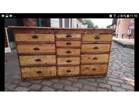 Workbench/Chest of drawers