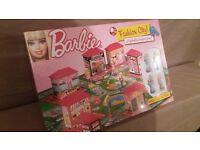 Barbie Fashion City Fabulous Board Game 2011 Brand New & Sealed