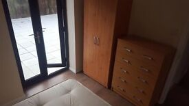***50% OFF***Really nice double room for single use with private garden at just 135pw!!!***