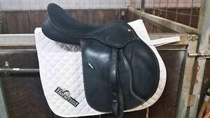 17 inch Wintec Pro Close Contact Jump Saddle Black Cair Bendigo Bendigo City Preview