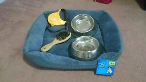 Dog/Puppy bed and accessories South Maclean Logan Area Preview