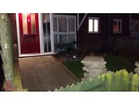 2 bed ground floor flat *looking for 1 bed house*