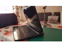 Dell Laptop Inspiron 15R - N5110 for Parts hard drive in good working order, screen hinge broken