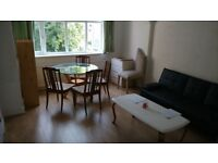 Finchley Central Recently modernised flat ist floor with garden.