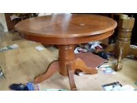 Round dining table,solid oak,extendable,carved leg,105-150cm,adjust screw,marks