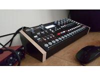 Elektron Analog Four Synthesizer Mk1 almost new