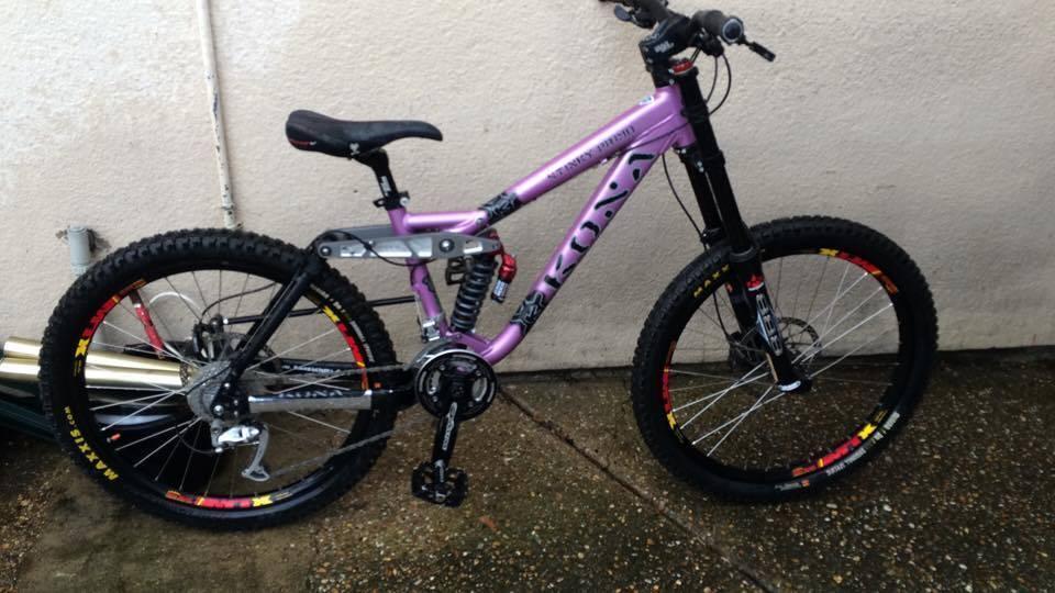 Kona Stinky Primo Downhill Mountain Bike 15 5 In