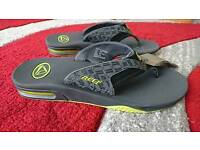 New Reefs men sandals beach holiday shoes size 10